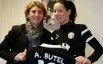 Anaig Butel aux côtés de Marinette Pichon (photo club)