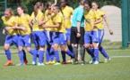 Marlyse Ngo Ndoumbouk, à la gauche de l'arbitre, a atteint le cap des 40 buts (photo Marceau Carré)