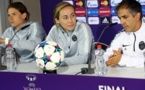 Annike Krahn, Laura Georges et Farid Benstiti lors de la conférence ce mercredi (photo UEFA)