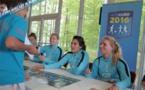 """FFF - """"24 Heures avec les Bleues"""" pour les élèves lauréats du foot à l'école (Clip FFF TV)"""