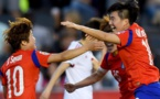 Sooyun Kim célèbre avec Soyun Ji le but de la qualification (photo FIFA.com)