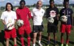 Alain Morzières, au centre, il y a un mois avec les 4 recrues du club (photo Centre Presse)