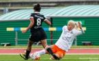 Jakobsson marque mais défend aussi comme face à Jaurena (photo Giovani Pablo)