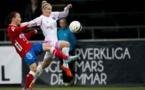 Anja Mittag, ici avec le maillot de Rosengard, connait l'équipe d'Örebro, avec Lehtinen à gauche (photo damfotboll.com)