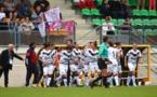 Les Bordelaises fêtent leur but avec le banc (photo FCGB)