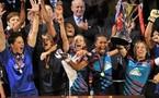 Lyon lève le trophée européen (photo : uefa.com)