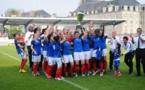 Justine Gourvil pour son dernier match a hissé le trophée de la Coupe du Monde militaire (photo Philippe Le Brech)