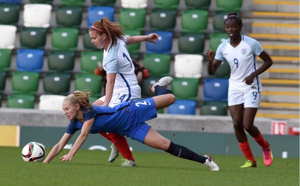 U19 - ANGLETERRE - FRANCE : 3-1, les Bleuettes payent cash leurs erreurs