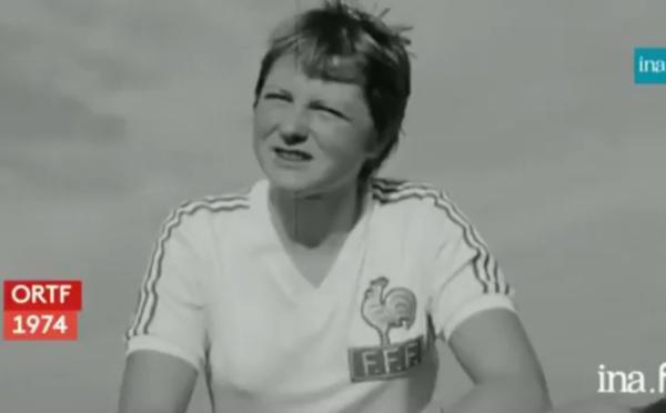 Archive INA - Les femmes et le foot, quelle idée !