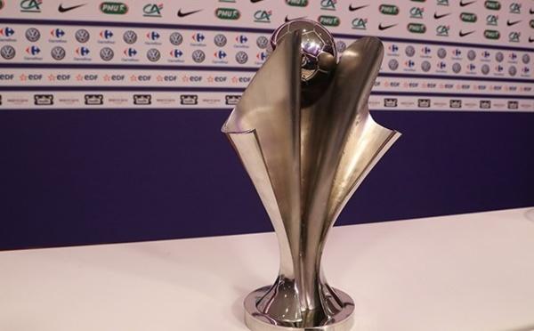 Coupe de France - Le PSG aux tirs au but face à JUVISY, Exploit d'HENIN face SOYAUX (1-0), ST-ETIENNE s'impose à MONTPELLIER (1-0)