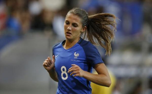 Bleues - Eve PERISSET remplace Charlotte LORGERE forfait
