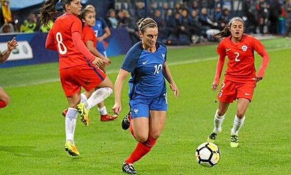 Bleues - Léa LE GARREC remplace Faustine ROBERT