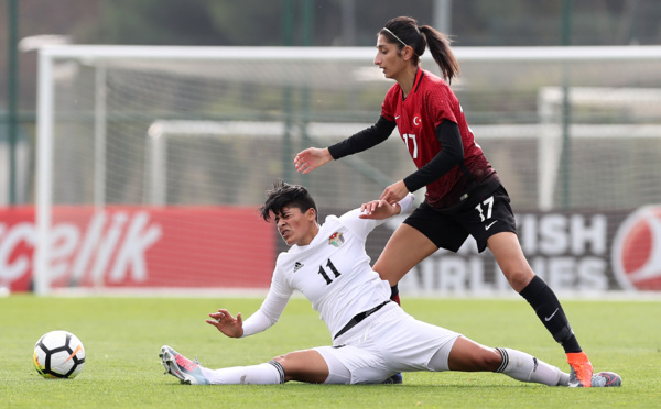 International - Résultats des matchs amicaux : CHILI - BRESIL : 0-3, CANADA - NORVEGE : 3-2