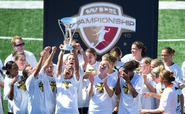 Le FC Gold Pride enlève le championnat