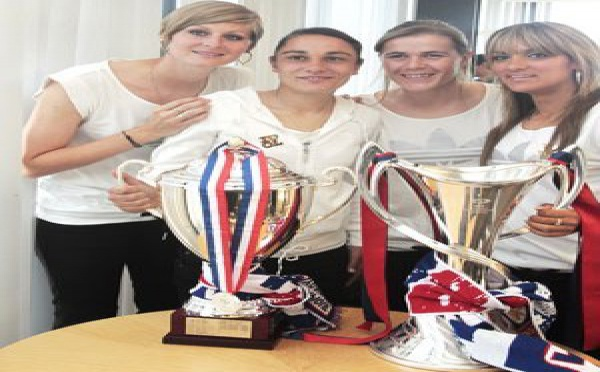 Les joueuses lyonnaises félicitées par Chantal Jouanno dans les locaux du Ministère des Sports