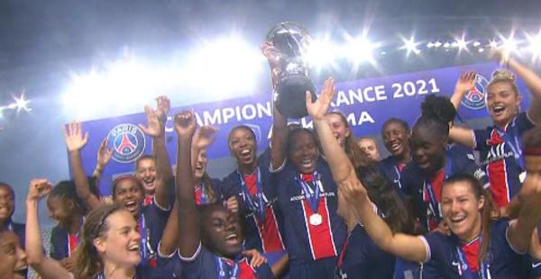#D1Arkema - Le PSG décroche son premier titre en D1