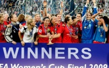 Coupe UEFA : Duisburg triomphe