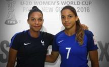 Bleues - Deux soeurs jumelles pour une première ?