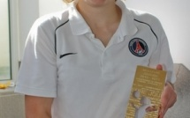 Trophée FFF de la Meilleure Joueuse de D1 : Bussaglia a reçu son trophée