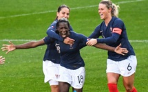 Bleues - ASSEYI offre la victoire face au CANADA