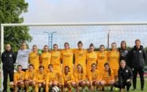 Championnat de France UNSS Excellence - Le lycée BRIFFAUT de VALENCE au pied du podium